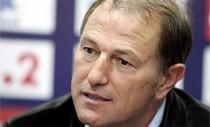 (Italiano) De Biasi defiende la entrega de su equipo en cada partido