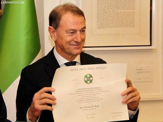 Mattarella premia coach Gianni De Biasi con il riconoscimento 'Ordine della stella d'Italia'
