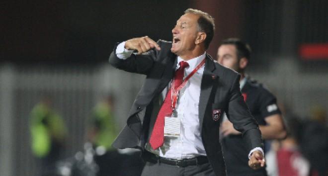 """(Italiano) Albania, De Biasi: """"Per battere l'Italia dovremo dare il 110%"""""""